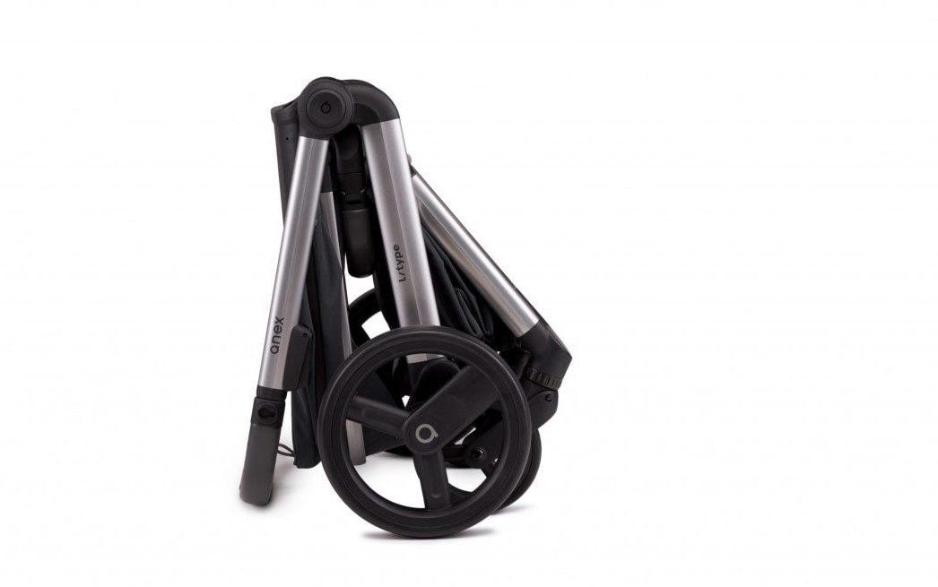 Ane l/type Klappmaße, Die Reifen lassen sich zusätzlich abnehmen damit das Gestell noch kompakter wird.