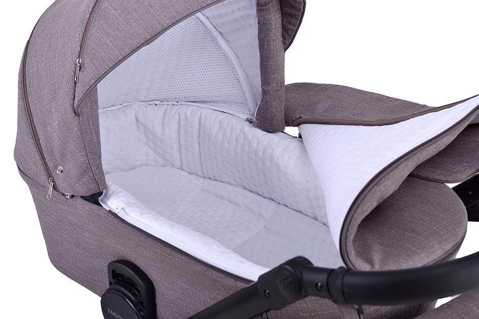 Emotion XT Kinderwagen. Große Babywanne mit angenehmer Innenauskleidung