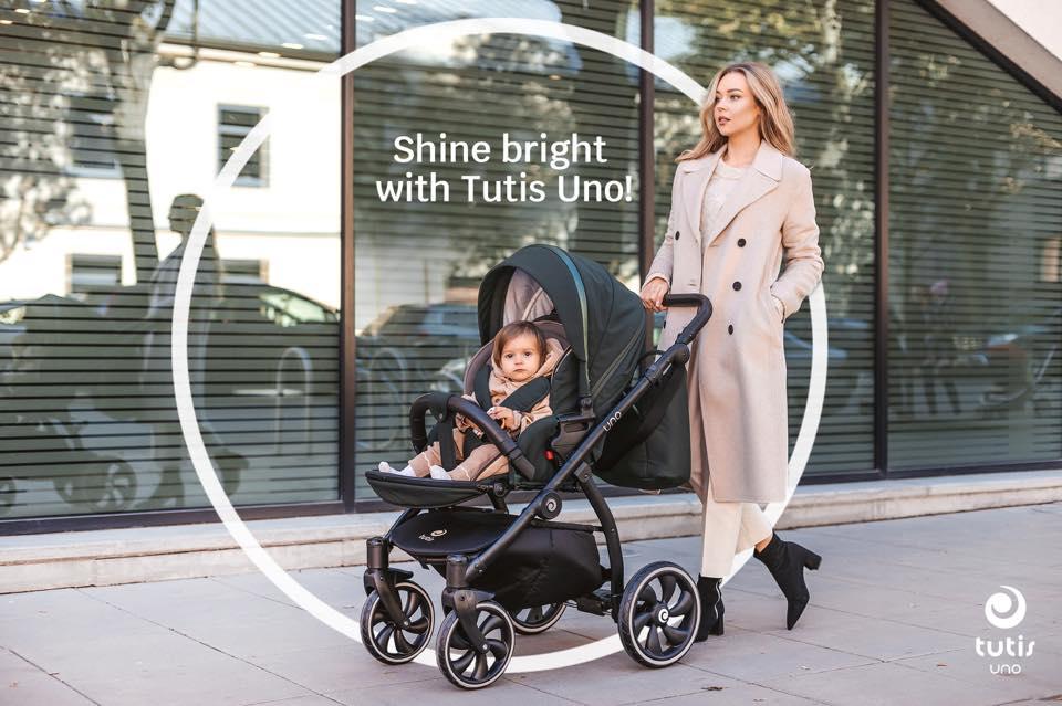 Tutis Uno+ Kinderwagen: Die große Sitzfläche lässt sich leicht bis in die Liegeposition komfortabel von hinten verstellen