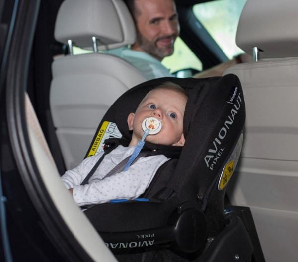 Autoschale babyschale pixel live