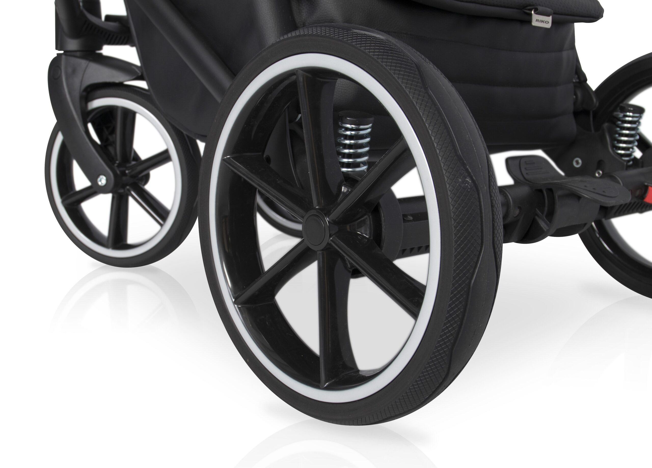 Große Reifen Kinderwagen side: PRAKTISCH: Räder mit nur einem Klick vom Gestell abnehmbar