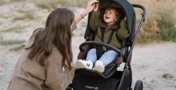 Kinderwagen LUNO All Trails NOORDI mit Federung und großen Reifen